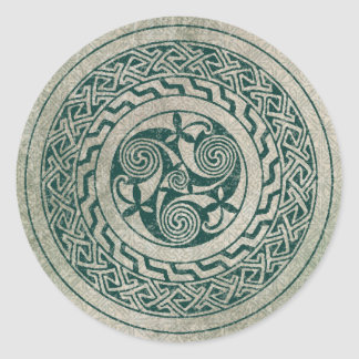 Celtic Knotwork Irish Medallion Pattern in Green Classic Round Sticker
