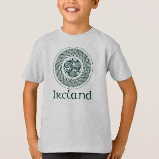 Celtic Knotwork Irish Medallion Pattern in Green T-Shirt
