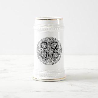 Celtic knotwork on any color 18 oz beer stein