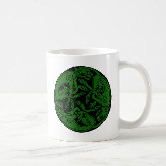 Celtic rond chien green mug