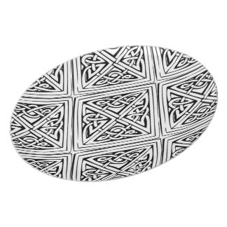Celtic Style Pattern Dinner Plates