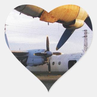 Cementerio de los aviones en el este pegatina en forma de corazón