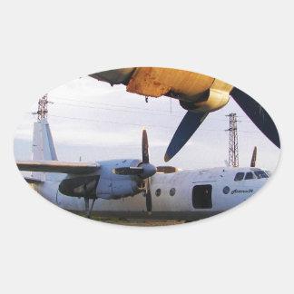 Cementerio de los aviones en el este pegatina ovalada