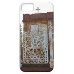 Cementerio de New Orleans - mausoleo aherrumbrado iPhone 5 Case-Mate Cárcasas