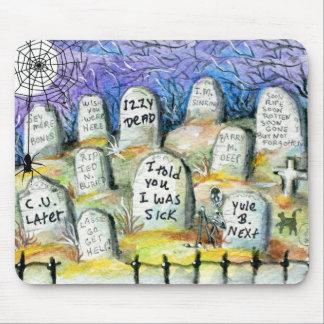 Cementerio fantasmagórico alfombrillas de ratón