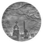cementerio misterioso platos para fiestas