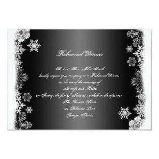 Cena blanco y negro del ensayo del boda
