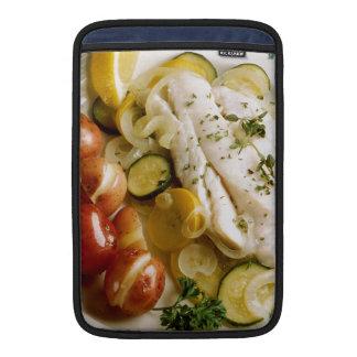 Cena cocida de los pescados funda para macbook air