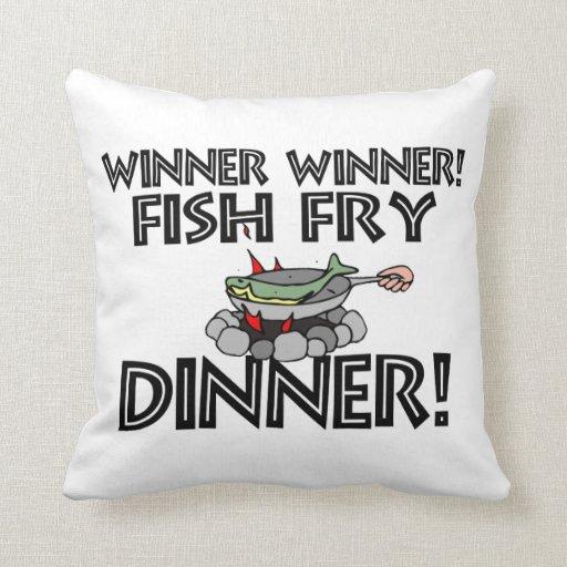 Cena de la fritada de pescado del ganador del cojin