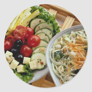 Cena de las ensaladas al aire libre etiquetas redondas