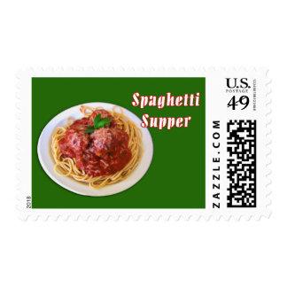 Cena de los espaguetis y de los espaguetis de las sellos