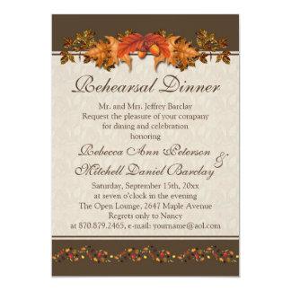 Cena otoñal roja y marrón del ensayo de las hojas invitación 12,7 x 17,8 cm