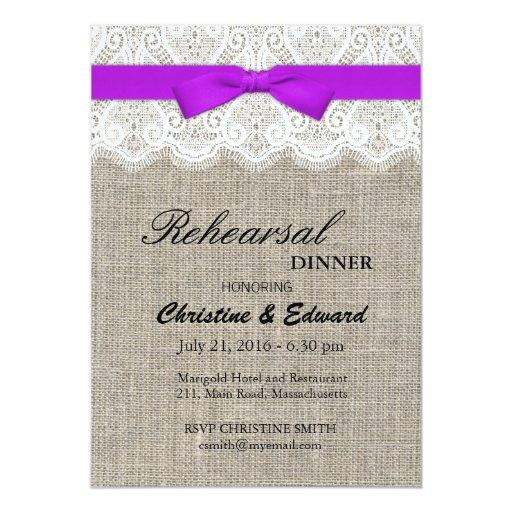 Cena púrpura del ensayo del boda del arco y del invitacion personal