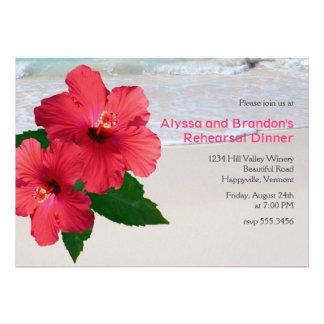 Cena roja del ensayo del boda de playa del hibisco anuncio personalizado