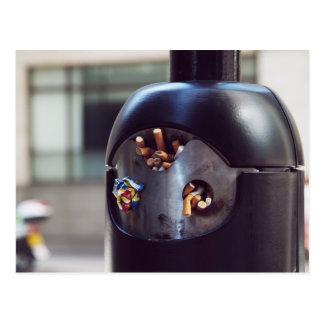 Cenicero público postal