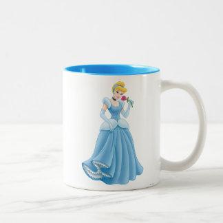Cenicienta con la flor taza de café de dos colores