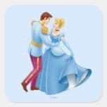Cenicienta y príncipe el encantar calcomanías cuadradas personalizadas