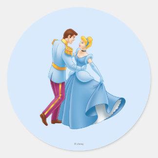Cenicienta y príncipe el encantar pegatina redonda