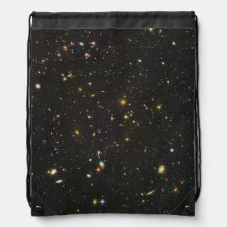 Centenares de galaxias jovenes mochilas