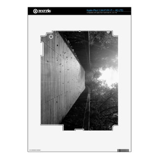 Center Bridge Sequel - Black and White iPad 3 Skins