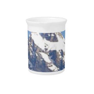 center peak in range drink pitcher