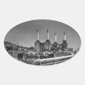 Central eléctrica de Battersea del paso de los Pegatina Ovalada