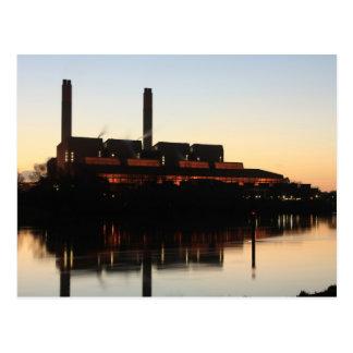 Central eléctrica de Huntly en la puesta del sol Tarjetas Postales