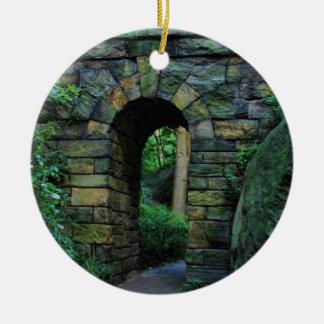 Central Park: Arco de piedra del paseo Adorno Redondo De Cerámica
