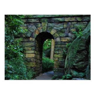 Central Park: Arco de piedra del paseo Tarjeta Postal