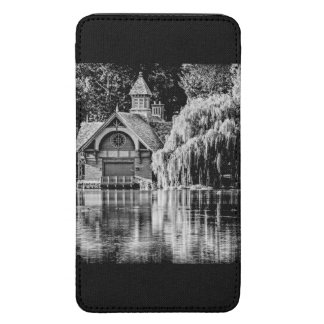 Central Park Building Galaxy S5 Pouch