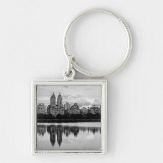 Central Park, horizonte de NYC Llavero Cuadrado Plateado