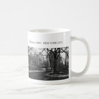 Central Park negro del blanco NY Tazas De Café