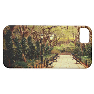 Central Park Spring Path - New York City iPhone SE/5/5s Case