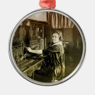 Centralita telefónica del vintage adorno navideño redondo de metal