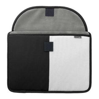 Centro blanco y negro a medias funda para macbook pro
