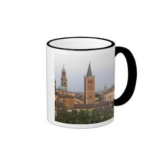 Centro de ciudad de Parma; Iglesia de Battistero e Tazas De Café
