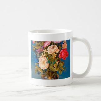 Centro de flores de la tabla del florero de los taza