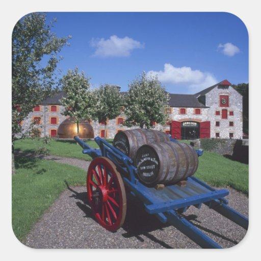 Centro de la herencia del whisky de Jamesons, Calcomanías Cuadradases