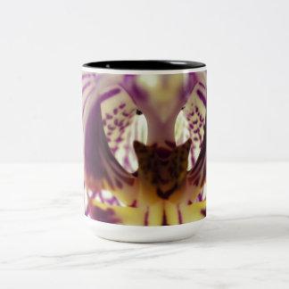 Centro de la orquídea taza de dos tonos