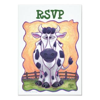 Centro del fiesta de la vaca invitaciones personalizada