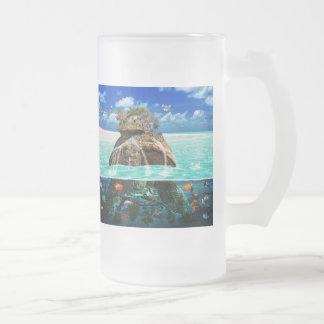 Centro turístico aislado de la fantasía de la isla taza de cristal