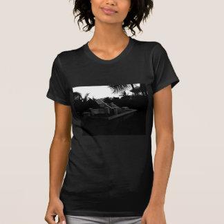 Centro turístico del Caribe blanco y negro Camiseta