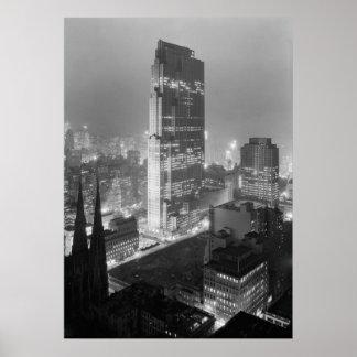 Centro y RCA de Rockefeller que construyen New Yor Poster