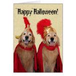 Centurión de Halloween del golden retriever Felicitaciones