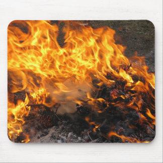 Cepillo ardiente alfombrilla de ratones