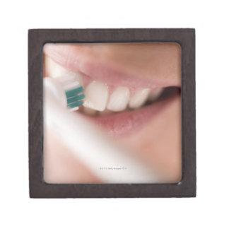 Cepillo de dientes eléctrico. Estos dispositivos t Cajas De Recuerdo De Calidad