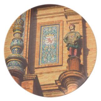 Ceramic statue detail on the Plaza de Espana in Plate