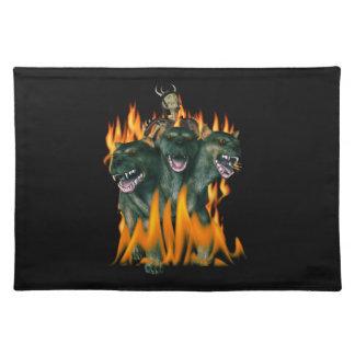 Cerberus en infierno mantel