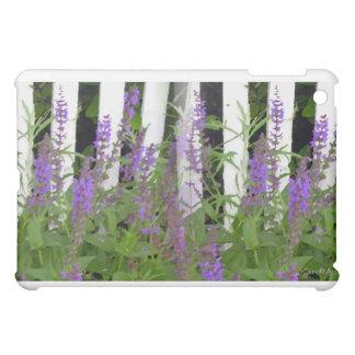 Cerca azul púrpura de la flor