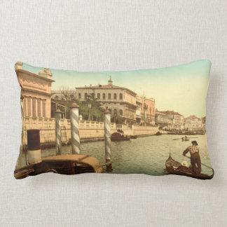 Cerca de St Mark, Venecia, Italia Cojín